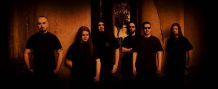 Funeral doom -orkesteri Esoteric minirundille Suomeen