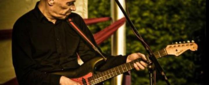 Dr. Feelgoodin kitaristi Wilko Johnson saapuu Suomeen