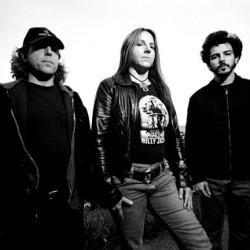 Stoner-trio Acid King ensi kertaa Suomeen, lämmittelijä Suma