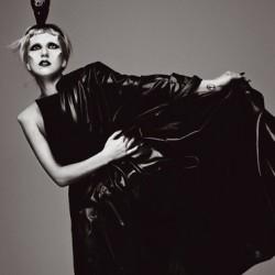 Lady Gaga saapuu Suomeen, lämppärinä hieman hämmentävästi uudelleenkoottu The Darkness