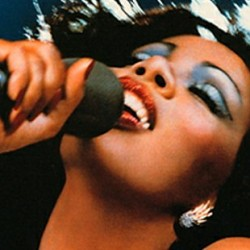 Donna Summer on kuollut