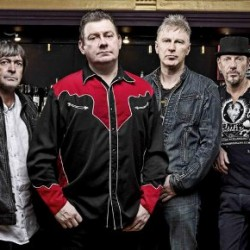 Punklegenda Stiff Little Fingers reilun 30 vuoden tauon jälkeen Suomeen