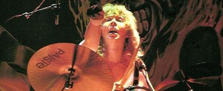 Ex-Iron Maiden rumpali Clive Burr (8.3.1957-13.3.2013) in memoriam