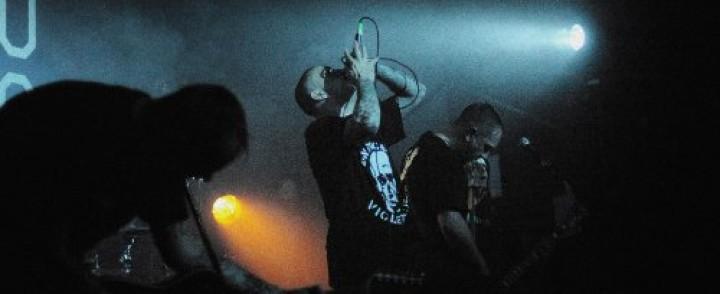 Kulttimainetta nauttiva ranskalainen hardcore-yhtye Kickback ensi kertaa Suomeen
