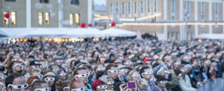 Kraftwerk sai Flow-kansan omaksumaan yhtenäisen silmälasimuodin