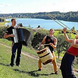 Maailmanmusiikkibändi Svjata Vatra saapuu kiirastorstaina ilmaiskeikalle