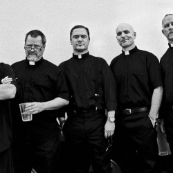 Faith No Morelta uusi albumi, Motherfucker-paluusinkku julkaistaan marraskuussa