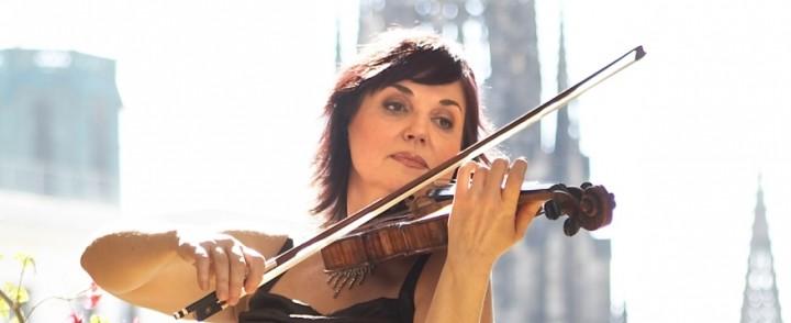 Venäläinen Ala Voronkova vetäisee Paganinin haastavat 24 Kapriisia ensi sunnuntaina Musiikkitalolla