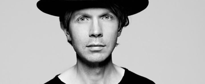 Beck ensi kertaa Suomeen, Flow'hun myös Belle & Sebastian