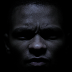 Retro 2015 – Musta Barbaari – Kuka pelkää pimeet