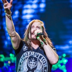 Dream Theater -keikka siirtyy Kultsalle, lämppäri vaihtuu Anathemaksi