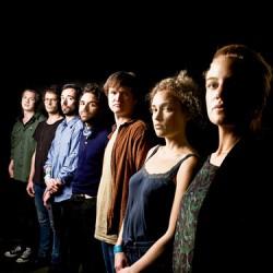 Silta-tunnarin tekijä Choir of Young Believers ensi kertaa Suomeen