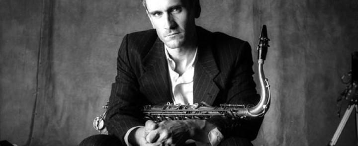Jazz-laulaja Curtis Stigers Savoy-teatteriin