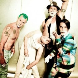 Red Hot Chili Peppers saapuu Suomeen