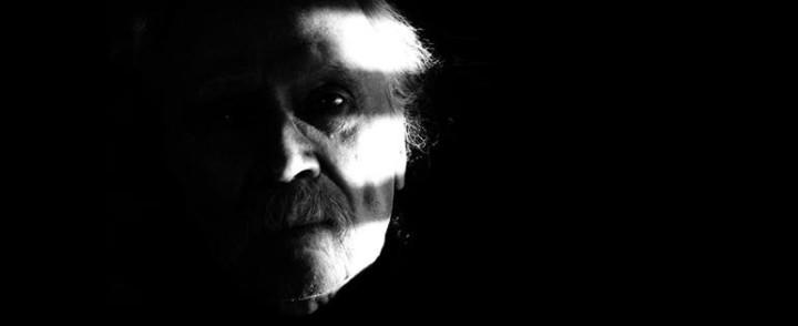 Kauhuohjaaja John Carpenter saapuu ensi kertaa Suomeen