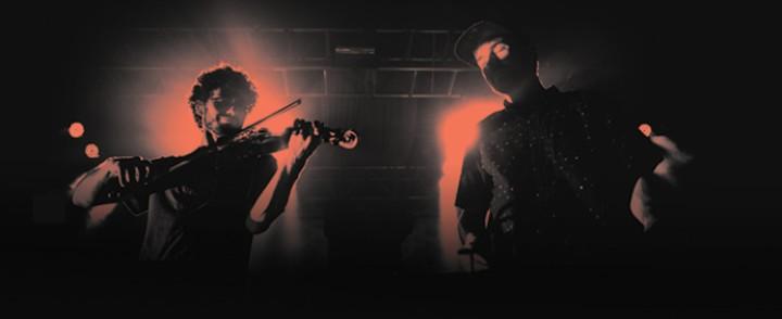 Emancipator palaa Suomeen Ensemble-kokoonpanossa