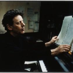 Säveltäjälegenda Philip Glassin 80v-juhlakiertue saapuu Musiikkitalolle