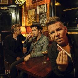 Punkabilly-legenda The Living End saapuu Tampereelle