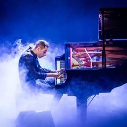 Maailman nopein pianisti Peter Bence saapuu Suomeen