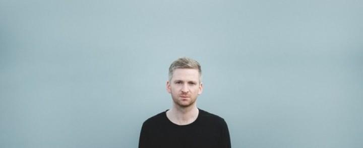 Islantilainen Ólafur Arnalds saapuu Kultsalle mukanaan itsestään soivia pianoja