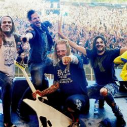 Mm. In Flamesin ja Annihilatorin ex-jäsenistä koostuva Cyhra saapuu Tampereelle ja Helsinkiin