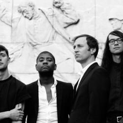 Poliittinen rockyhtye Algiers saapuu On the Rocksiin