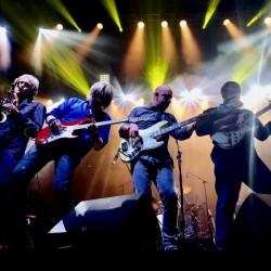 Dire Straitsin ex-jäsenten Dire Straits Experience saapuu jälleen Suomeen
