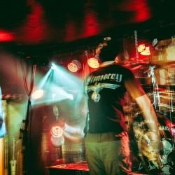 """SS Robot : """"Rail Baltica"""" – Viron päivänpolttavimman punk-yhtyeen kolmas videosingle julki. Noisen Ruuvipenkissä haastateltavana laulaja Kolp H. Tiits"""