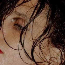 Anna Calvi ja Soap&Skin saapuvat Juhlaviikoille, tarjolla mm. Bowie ja Björk -tribuutti