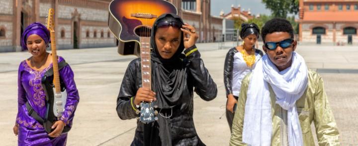Tuareg-yhtye Les Filles De Illighadad kahdelle keikalle Suomeen